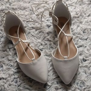 Breckelle's White Pointed Toe Lace Up Flats
